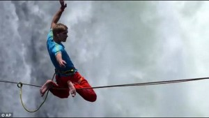 1415638746218_wps_62_Watch_as_slackliners_make